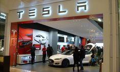 «Κινεζικά» Tesla για τους Έλληνες φέρνει η Tesla   My Review Tesla Musk, New Tesla, Solar Power Panels, Solar Installation, Elon Musk, New And Used Cars, Electric Cars, Car Car, Things To Know
