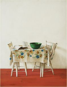 Holly Farrell, Table & Chairs, 2013, acrylic & oil on masonite.