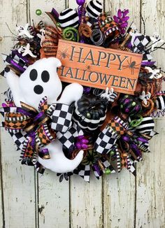 Extra large Halloween wreath perfect for your holiday decorating! There's a lot going on in this mega piece and tons of detail everywhere you look! Halloween Porch Decorations, Halloween Trees, Halloween Signs, Fall Halloween, Halloween Crafts, Happy Halloween, Halloween Magic, Dyi, Ghost Decoration