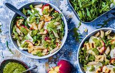 Pastasalade met perzik Bacon Ranch Pasta Salad, Chicken Bacon Ranch Pasta, Caprese Pasta Salad, Pasta Salad Italian, Cabbage Salad Recipes, Pasta Salad Recipes, Veggie Recipes, Vegetarian Recipes, Healthy Recipes