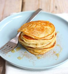 Lekker en Simpel uploaded this image to See the album on Photobucket. Pancakes Muesli, Yogurt Pancakes, Weigt Watchers, Crepes, Healthy Snacks, Healthy Recipes, Galette, Food Inspiration, Love Food