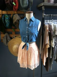 Sleeveless denim snap top with a lace pleated skirt Store Mannequins, Fashion Lookbook, Pleated Skirt, Tulle, Denim, Lace, Skirts, Inspiration, Tops