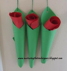 valentines+day+crafts+for+mom | ... Crafts for Kids*: Mother's Day Hanging Paper Roses in Vase Craft