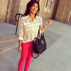 @ashleyatmos looks spectacular in colored jeans and a printed blouse #maxxstyle
