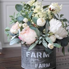 Real touch peonies makes this arrangement look like it was just picked from the . - Real touch peonies makes this arrangement look like it was just picked from the garden. Fresh Flowers, Silk Flowers, Beautiful Flowers, Peony Arrangement, Floral Arrangements, Deco Floral, Country Farmhouse Decor, Farmhouse Style, Diy Garden Decor