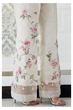 Pakistani Clothes Online, Pakistani Outfits, Indian Outfits, Pakistani Clothing, Kurti Pakistani, Indian Salwar Kameez, Indian Clothes, Salwar Designs, Blouse Designs