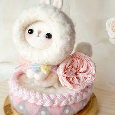 Handmade needle felted felting cute animal project bear bunny gift box   Feltify