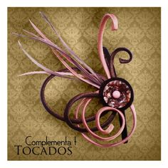 Complementa T. Fieltro y +: TOCADOS Fascinator Hairstyles, Fascinator Hats, African Hats, Tea Party Hats, Wedding Fascinators, Cocktail Hat, Cool Hats, Hair Piece, Head Wraps