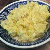 Southern Potato Salad Recipes is One Of the Favorite Salad Of Several Persons Across the World. Besides Simple to Produce and Good Taste, This southern Potato Salad Recipes Also Healthy Indeed. Creamy Potato Salad, Potato Salad With Egg, Potato Salad With Mustard, Potato Salad With Vinegar, Classic Potato Salad, Ciabatta, Southern Potato Salad, Salad Recipes Video, Sweet Pickles