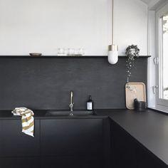 Brass details in the kitchen