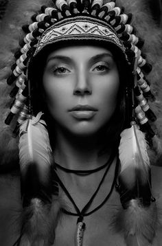 Deciding upon the fate of those who gaze at her, spellbound American Indian Girl, Native American Girls, Native American Pictures, Native American Beauty, American History, Native American Drawing, Native American Tattoos, Native American Artwork, Native Indian