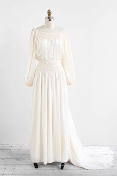 vintage 1970s art nouveau silk wedding gown | vintage wedding dress | #vintage