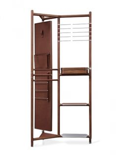 Valet Groom Marque : Hermes Designer : Phillippe Nigro Prix public indicatif : 45.300 € www.hermes.com