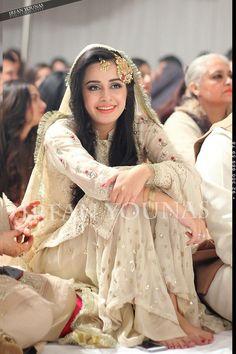 Pakistani Wedding Outfits, Bridal Outfits, Pakistani Dresses, Pakistani Sharara, Indian Dresses, Pakistan Bride, Pakistan Wedding, Desi Bride, Desi Wedding