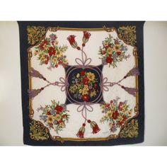 http://expert-vintage.com/home/38-gucci-scarf-tuch-foulard-carre-en-soie-.html