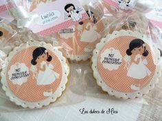 Galletas caseras decoradas con papel de azúcar para la Primera Comunión de Lucía.