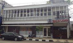 First opening its doors in 1921 in Bogor, the bakery was founded by the late Tan Ek Tjoan, a Chinese Indonesian entrepreneur. Asian History, Bogor, Entrepreneur, Bakery, Garage Doors, Chinese, Outdoor Decor, Home Decor, Decoration Home