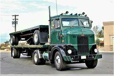 Peterbilt 379, Peterbilt Trucks, Cool Trucks, Big Trucks, 4x4 Accessories, Train Truck, Bad To The Bone, Heavy Truck, Vintage Trucks