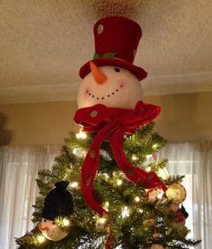 Cute! Christmas Night, Christmas Wood, Country Christmas, Christmas Snowman, Chicken Nesting Boxes, Christmas Lanterns, Xmas Ornaments, Christmas Tree Decorations, Holiday Decorating