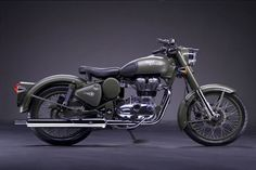 ROYAL-Enfield Bullet C5 Military - Cool retro bike featured in an upcoming Mythik Imagination story.