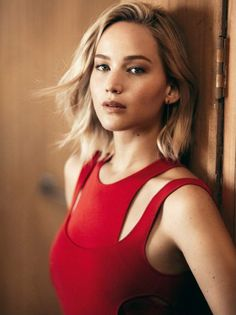 New outtake of Jennifer Lawrence's shoot for Vogue (2015)