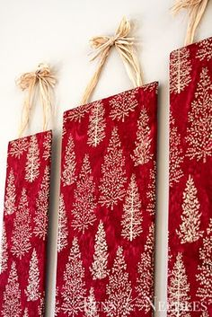 Simple, beautiful DIY Christmas wall art craft for adults. Cover foam board with festive Christmas fabric and hang with raffia, ribbon, or string. Pens and Needles: DIY Christmas Wall Art tutorial Christmas Wall Art, Noel Christmas, Christmas Projects, Winter Christmas, All Things Christmas, Holiday Crafts, Holiday Fun, Christmas Fabric, Christmas Wall Decorations