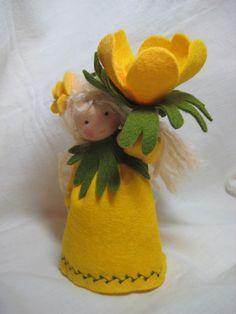 Deko-Objekte - Blumenkind-Winterling für den Waldorf-Jah... - ein Designerstück von Blumenkinder-Unikate bei DaWanda