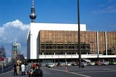 1977 Ost-Berlin - Mitte, Palast der Republik  ☺