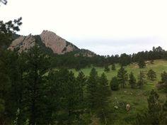 Hiking in Chataqua Park in Boulder, CO.  The MB>MC. #BGECON pic.twitter.com/e58W0hHtJR