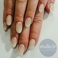 Snygga franska naglar. www.studiob.se