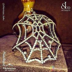 """By @chiarezza_baku """"Не существует более выразительного подарка, который способен увековечить мгновение: он является связующим звеном между прошлым, настоящим и будущим.  Эксклюзивный браслет от Jacob &Co с бриллиантами на белом золоте #chiarezza_baku #chiarezza #jacobandco #jewellery #bracelet #diamond #gold #collection #luxury #lux #luxurylife #vip #glamour #exclusive #beauty #fashion #art #elegance #boutique #baku #uniquegroup"""" via @PhotoRepost_app"""