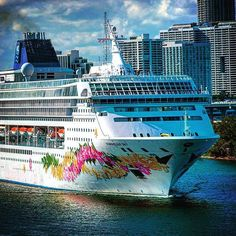 """""""#ncl norwegian sky leaving Miami with her hawaiian flower necklace!"""""""