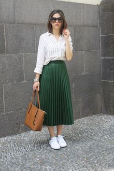 Casual Skirt Outfits, Mode Outfits, Classy Outfits, Stylish Outfits, Beautiful Outfits, Casual Skirts, Dress Casual, Modest Wear, Modest Dresses