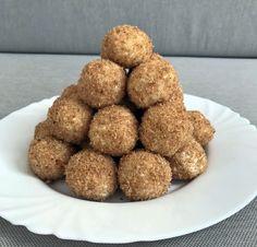 Főzés nélküli túrógombóc laktózmentesen Muffin, Breakfast, Food, Morning Coffee, Essen, Muffins, Meals, Cupcakes, Yemek