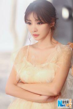 Chinese actress Liu Yan releases movie shots   China Entertainment News