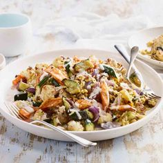 McCormick Spicy Superfood Salad - A super healthy salad, so satisfying it can double as a main course. Superfood Salad, Healthy Salads, Vinaigrette, Pasta Salad, Dressings, Sprouts, Spicy, Cooking Recipes, Vegetarian