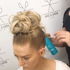 Easy and Quick Video Hair Tutorials! Alpi , , Easy and Quick Video Hair Tutorials! For more video tutorial about hair styles just visit our cutie pie web site! Box Braids Hairstyles, Pretty Hairstyles, Simple Hairstyles, Blonde Hairstyles, Prom Hairstyles, Hairdos, About Hair, Hair Videos, Hair Hacks