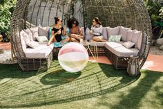 Girls' Weekend Epic Getaway in Palm Springs |  http://www.stylemepretty.com/living/2016/05/27/grab-your-girl-gang-for-an-epic-getaway-to-palm-springs/