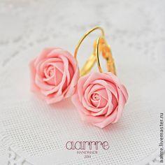 Серьги с розами на французских швензах - бледно-розовый,нежно-розовый