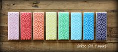 Rainbow Stenciled Cookie Sticks | Yankee Girl Yummies Por aqui se puede llegar al video del florero