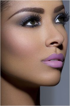 Sexy Lips *•..¸⭐️¸.•* Tips & Tricks: Kat Graham
