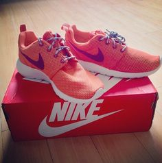Nike orange for run