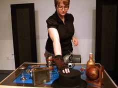 "Steampunk ""Reading Glove"" Uses Wireless Technology to Tell Stories With Objects"