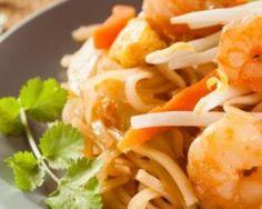 Crevettes aux légumes et curry au Wok
