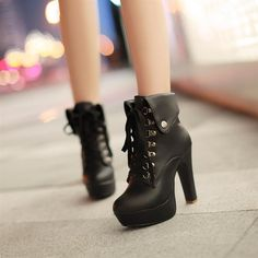 Chic Black Lace Up Martens Ankle Boots