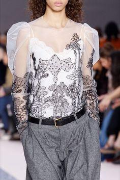 Sfilata Chloé Parigi - Collezioni Autunno Inverno 2017-18 - Vogue
