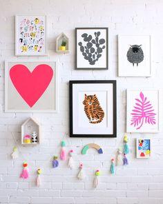 Gallery wall ideas for kids room by Baba Souk - Such a cute nursery idea! Kids Wall Decor, Nursery Decor, Room Decor, Nursery Themes, Cuadros Diy, Heart Artwork, Diy Home Decor Rustic, Pink Plant, Big Girl Rooms