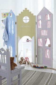 Me encanta la idea de esta #mampara infantil: Como divisor de zonas, casa de muñecas, teatro de títeres... ♥ Kinderspielparavent, in CAR möbel