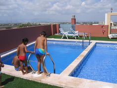 Residential Bahia del Segura is located in #Rojales, within walking distance of the many services of this popular market town. There is a choice of 1,2 or 3 bedroom apartments, each coming complete with many extras including furniture, kitchen electrical goods and fully installed air conditioning http://www.qsdgroup.com/property/apartment-costa-blanca-1-bedrooms-1-bathrooms-11/ #CostaBlancaSouth