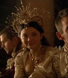 Not very accurate, but still a beautiful crown (Tudors TV series)